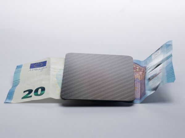 carbonée/money card